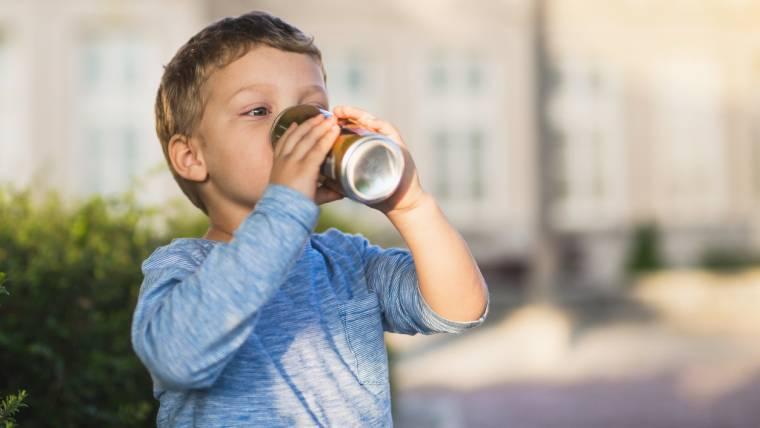 Indústria do tabaco ajudou a viciar crianças em bebidas adoçadas