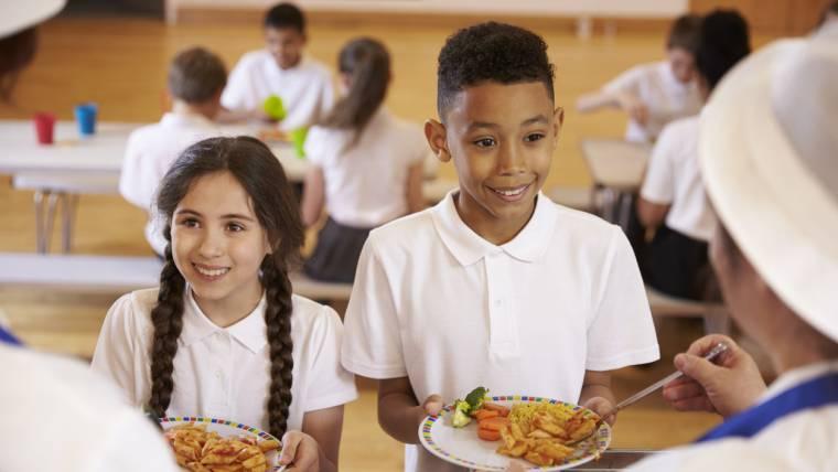 Alimentação saudável nas escolas: bem mais que uma escolha individual