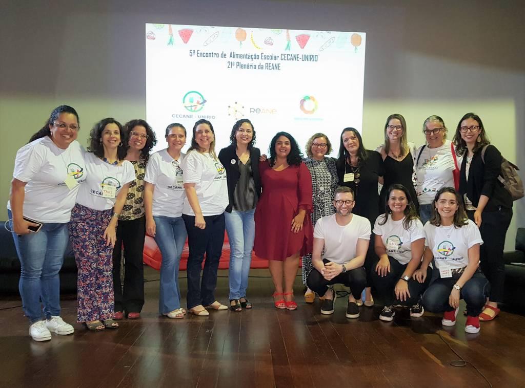 Integrantes do Núcleo RJ da Aliança pela Alimentação Adequada e Saudável, REANE, CECANE Unirio e UFF, que realizaram o evento